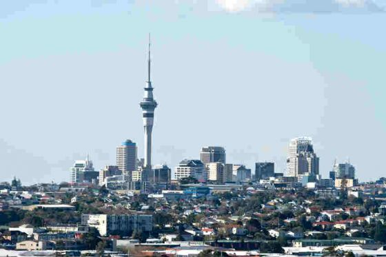 Are property investors sticking to Auckland?