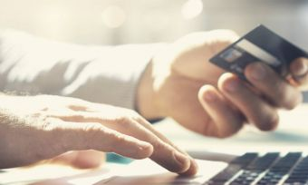 Top rewards credit cards for travellers & shoppers