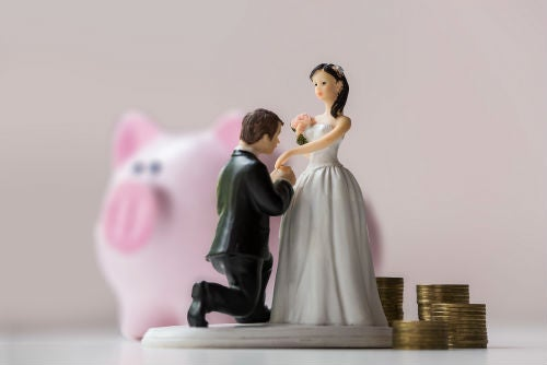 Be realistic when setting a wedding budget