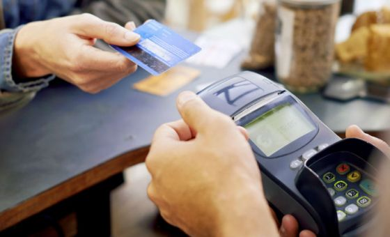 Consumer confidence spending