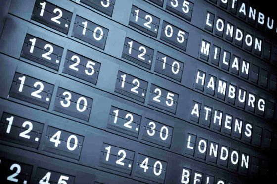 Air travel prices nose-dive