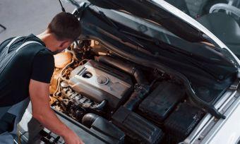 Car mechanic: WOF